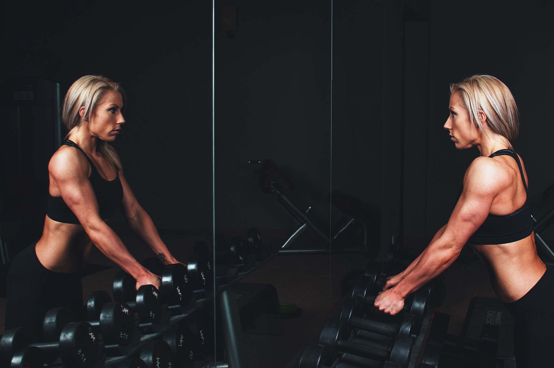 Cinco errores comunes que solemos cometer en el gimnasio
